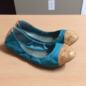 BCBGeneration blue tan ballet flats sz 7